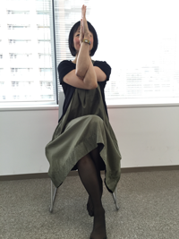 chairyoga01.png